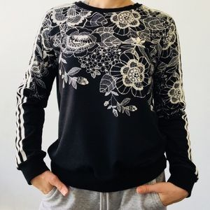 Adidas farm floral placement pullover trefoil 0534